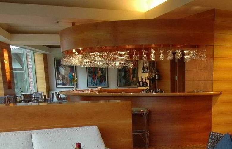 Gloria Verde Resort - Bar - 4