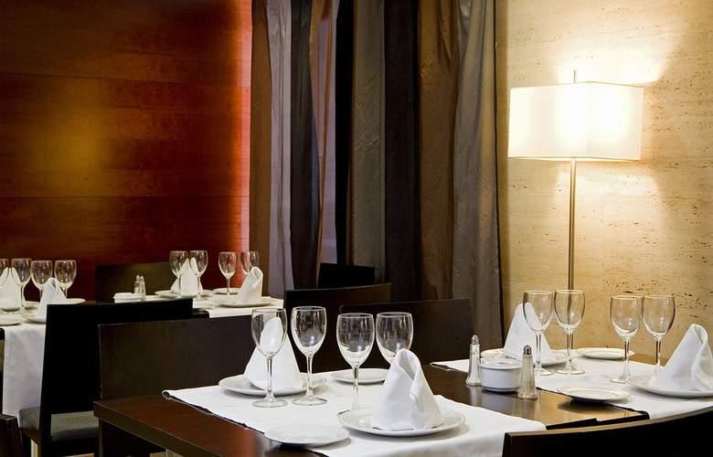 Zenit Don Yo - Restaurant - 31