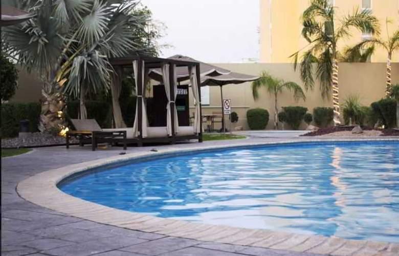 Lucerna Hermosillo - Pool - 17