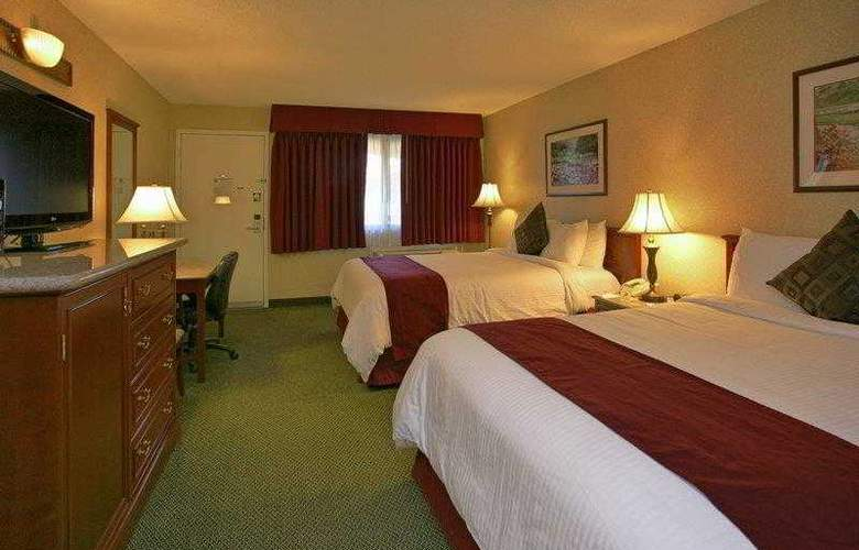 Best Western Plus Orange County Airport North - Hotel - 20