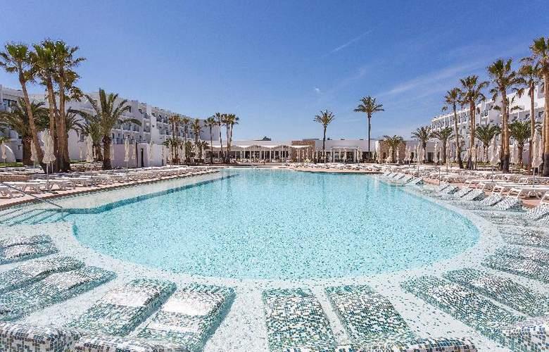 Grand Palladium White Island Resort & Spa - Pool - 21