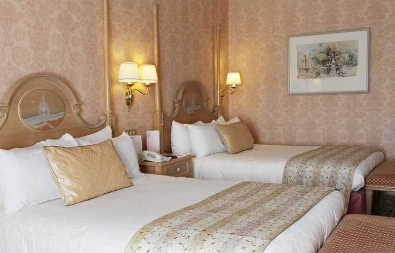 Disneyland Hotel - Room - 2