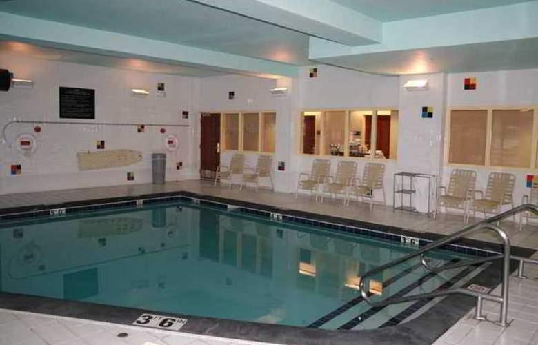 Hampton Inn Anchorage - Hotel - 2