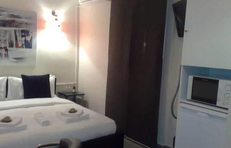 Hostal Oxum - Room - 0
