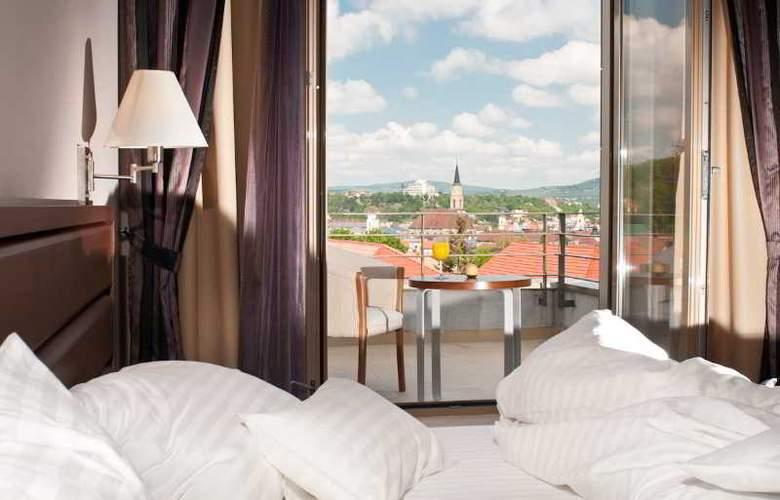 Ramada Cluj Hotel - Room - 17