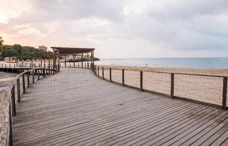 Nuria - Beach - 12