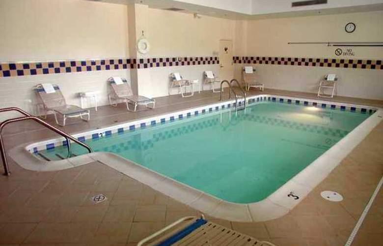 Hilton Garden Inn Fairfax - Hotel - 2