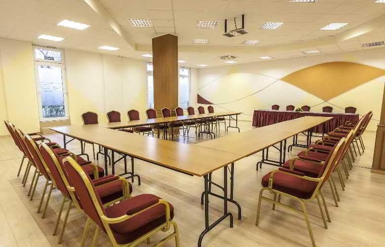 Premium Apartment House - Conference - 17