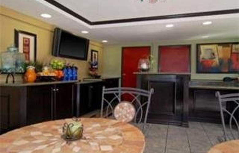 Econlodge Inn & Suites West Hollywood - Hotel - 0