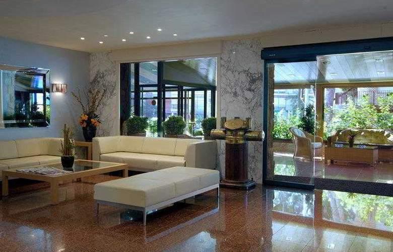 Best Western Mediterraneo - Hotel - 8