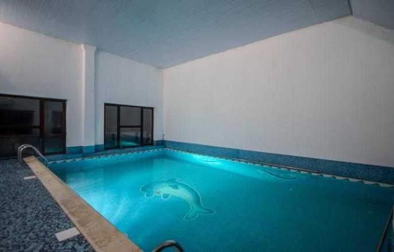 Hera Hotel - Pool - 1