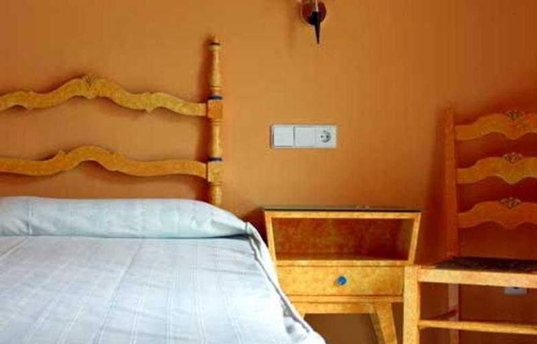 Es Furio - Room - 0