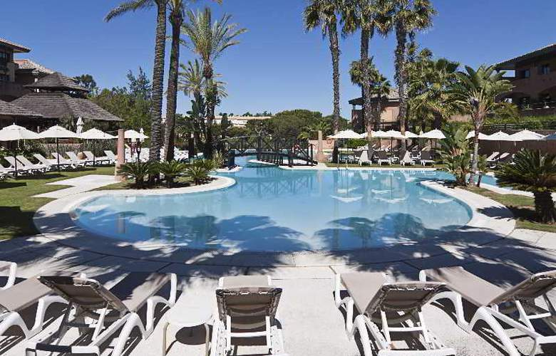 Islantilla Golf Resort - Pool - 10