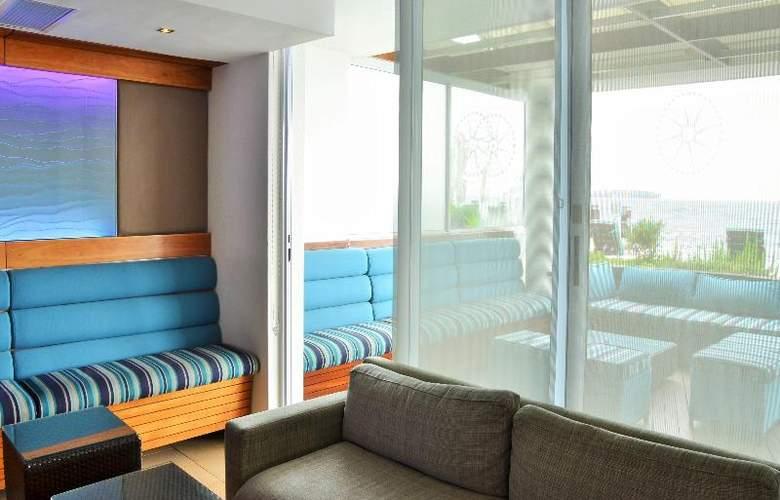 Radisson Blu Hotel Waterfront, Capetown - Restaurant - 23