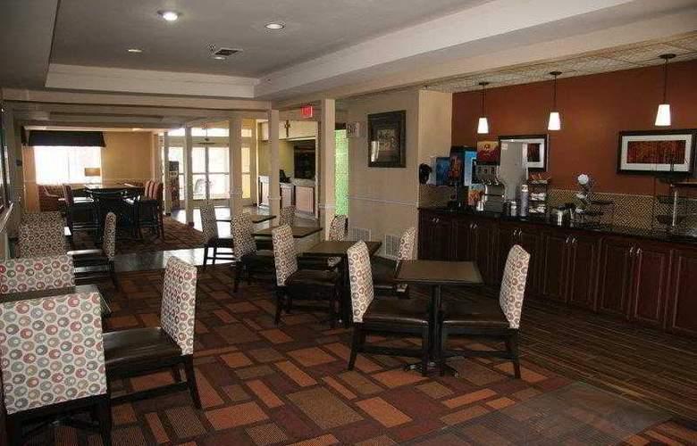 Best Western Plus Lubbock Windsor Inn - Hotel - 11