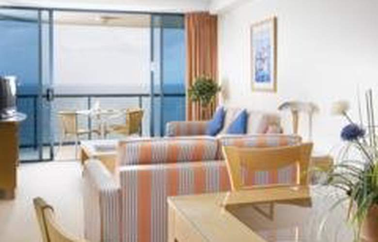 Mantra Mooloolaba Beach - Room - 2