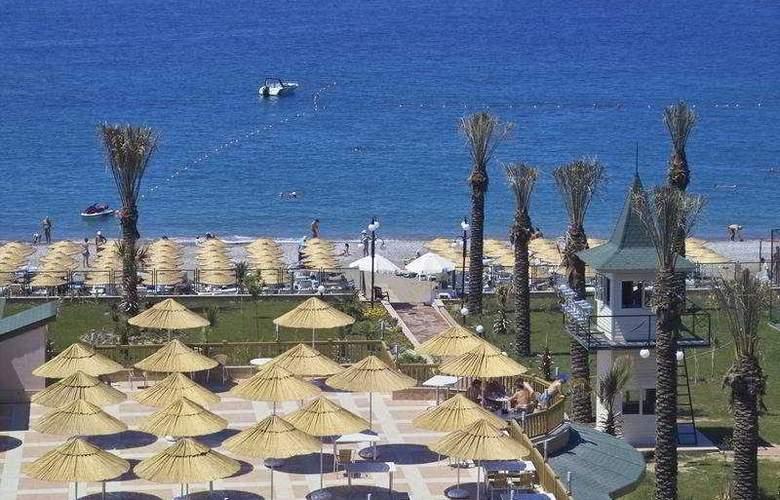 Holiday Garden Resort - Beach - 7
