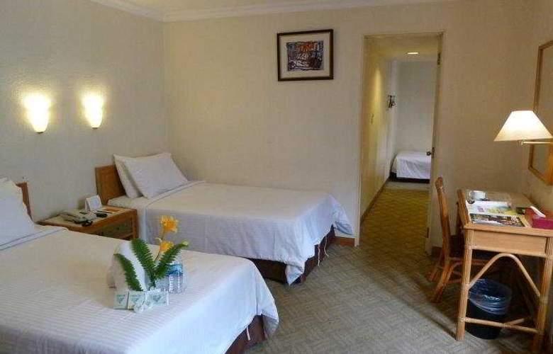 Corona Inn - Room - 5
