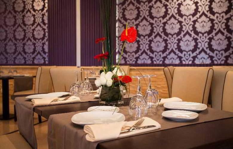 Atlas Sky Airport Hotel - Restaurant - 28
