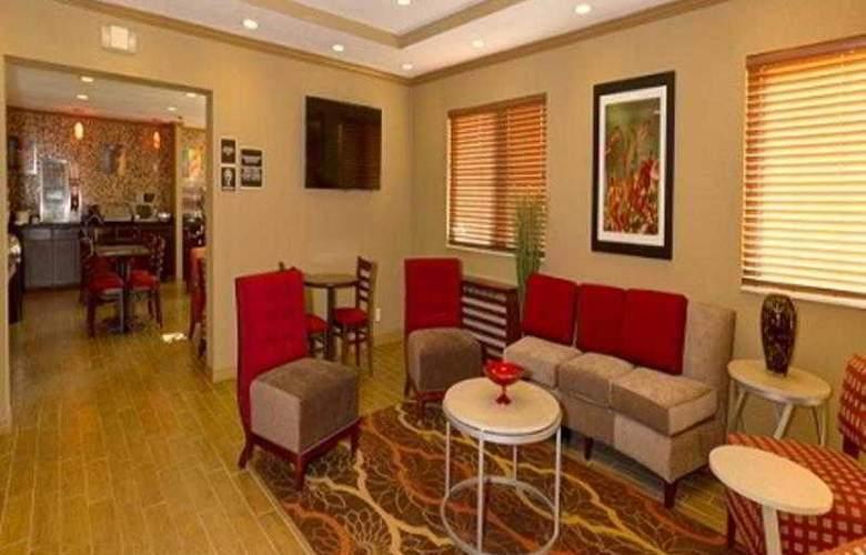 Comfort Inn Plant City - Lakeland - Hotel - 54