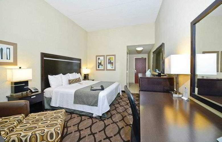 Best Western Plus Travel Hotel Toronto Airport - Hotel - 11