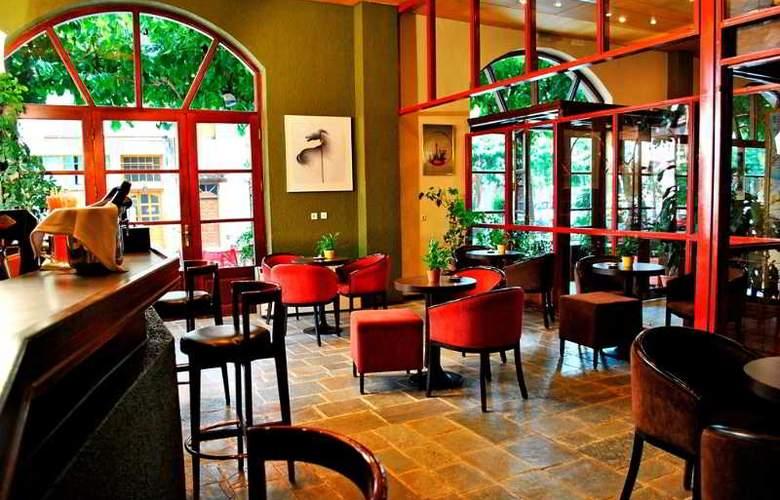 Arahova Inn - Bar - 27