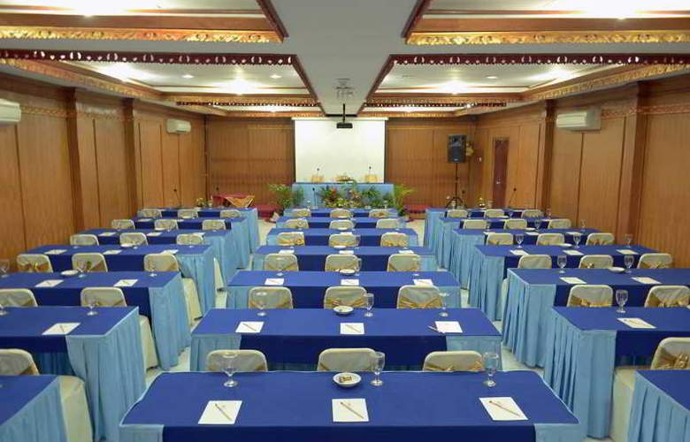 Inna Sindhu Beach - Conference - 34
