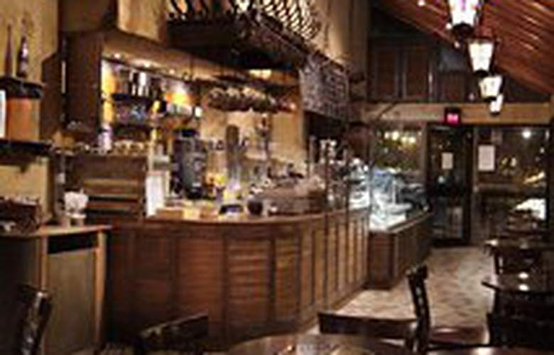 Best Western Ville-Marie Hotel & Suites - Bar - 5