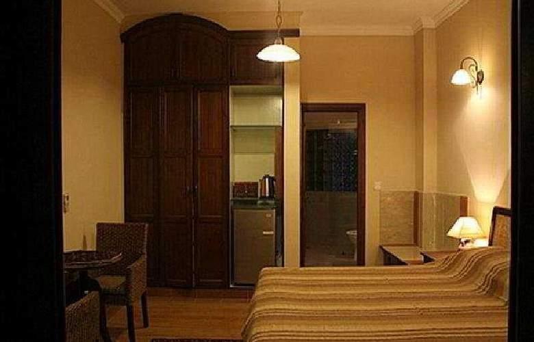The Estate - Room - 5
