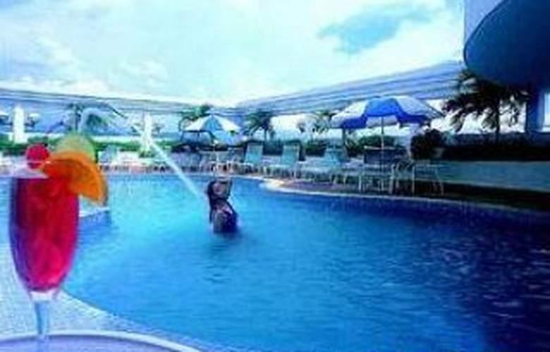 Syuen Hotel Ipoh - Pool - 3