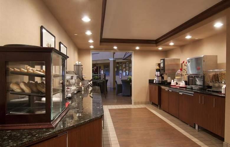 Best Western Plus White Bear Country Inn - Restaurant - 114