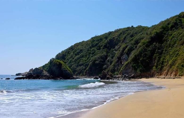 Best Western Posada Chahué - Beach - 126