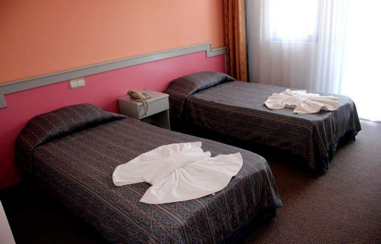 Aymes Hotel - Room - 7