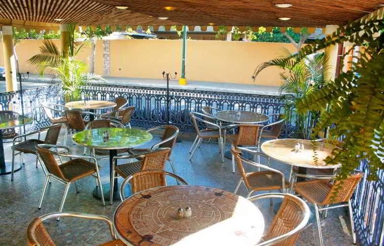Azteca Inn - Restaurant - 12