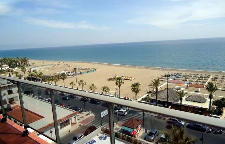 Isabel - Beach - 11