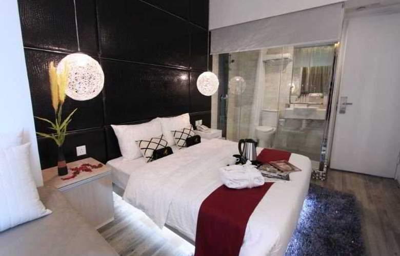 M1 Hotel - Room - 2