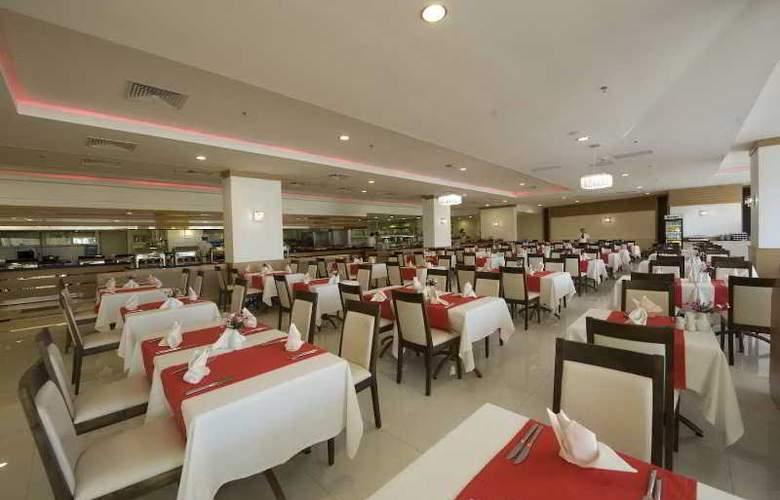 Sidekum - Restaurant - 5