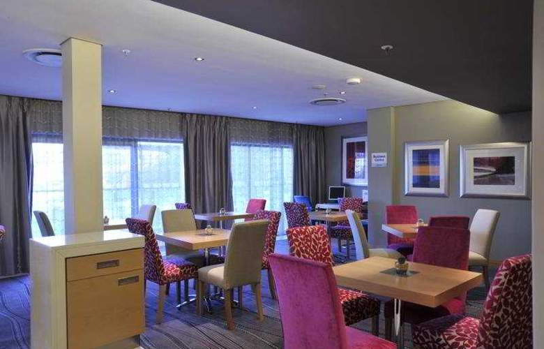 Holiday Inn Express Roodepoort - Bar - 4