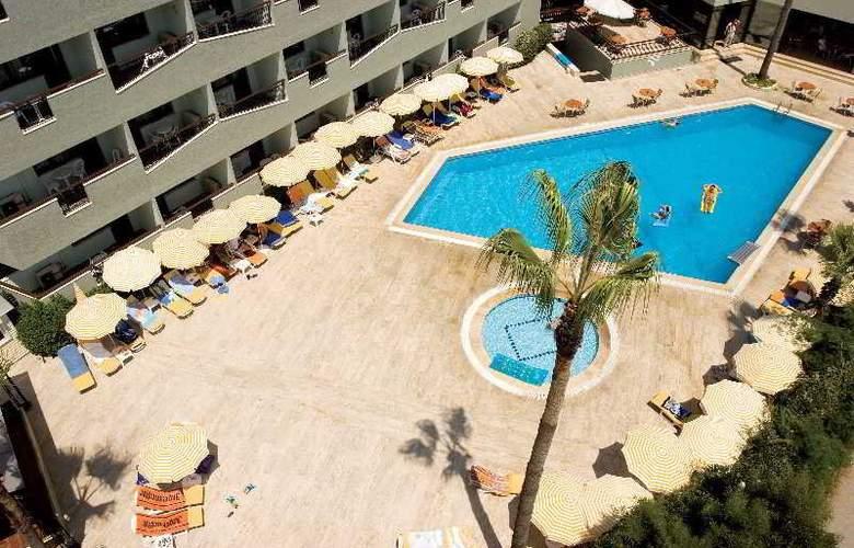 Elysee Hotel - Pool - 1