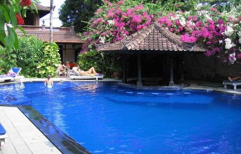 ARI PUTRI HOTEL - Pool - 5