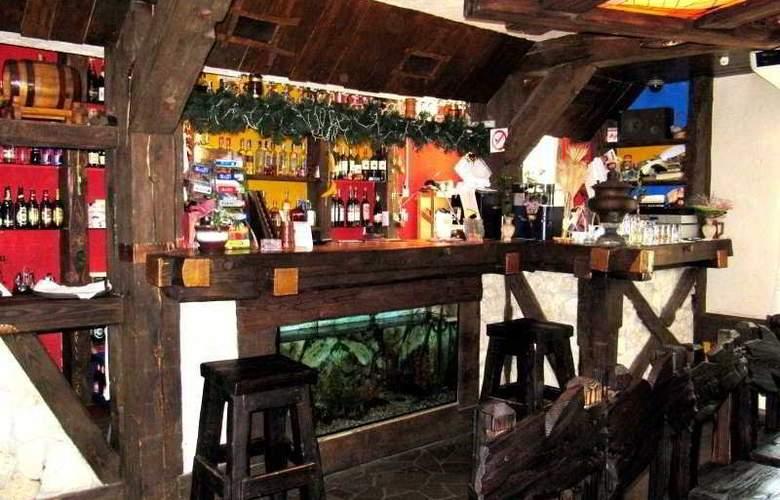 Aquarius Hotel - Bar - 4
