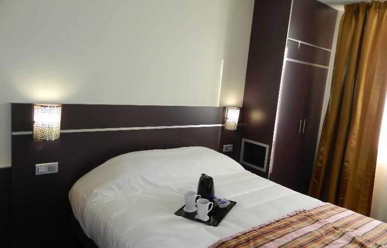 Arles Plaza - Room - 9