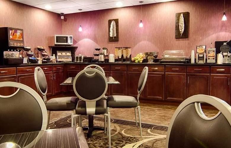 Best Western Plover Hotel & Conference Center - Restaurant - 54