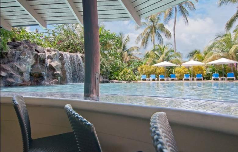 Radisson Grenada Beach Resort - Pool - 10