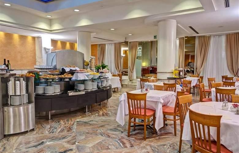 Best Western Plus Universo - Restaurant - 26