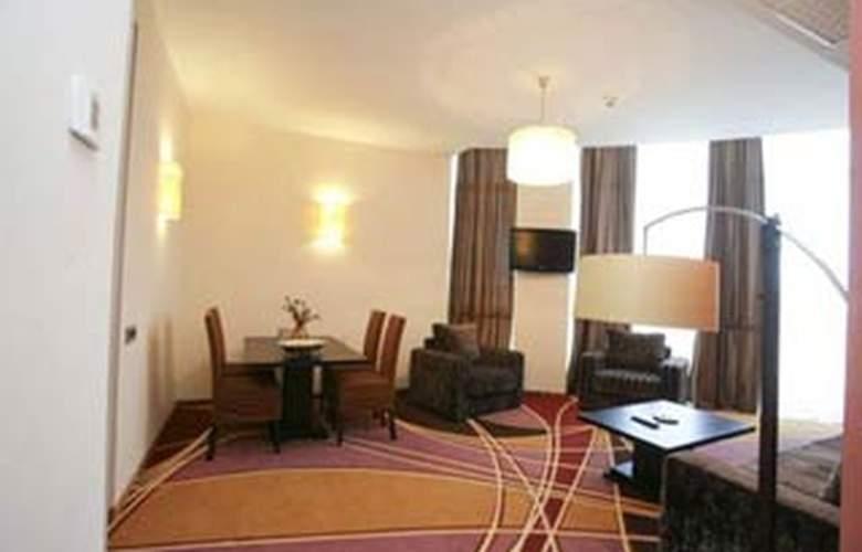 Plus Mari Vila Bucharest - Room - 6