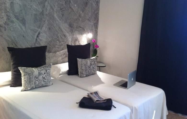 Bon Retorn - Room - 3