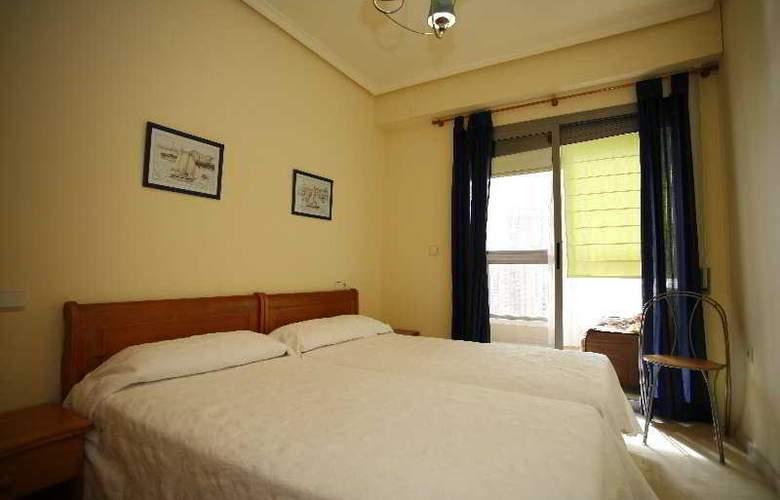 Apartamentos Gemelos XX Aloturin - Room - 10