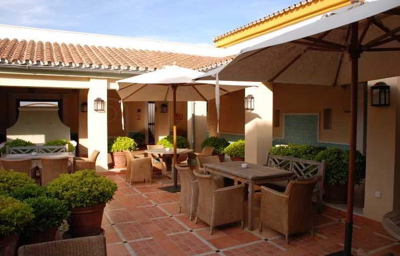 Castellar - Terrace - 11