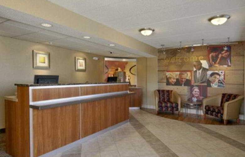 Red Roof Inn Indianapolis North - General - 1